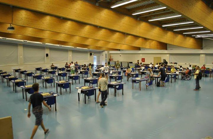 La sala gioco del torneo di scacchi: bella ma inaccessibile
